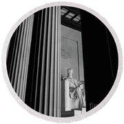 Abraham Lincoln Memorial Washington Dc Round Beach Towel by Edward Fielding