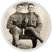 American Soldiers With A Parasol Circa 1915 Round Beach Towel