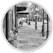 Antique Alley In Black And White Round Beach Towel