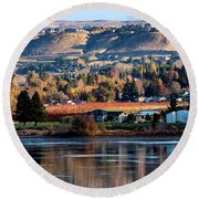 Apple Country Along The Columbia River Round Beach Towel