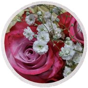 Baby's Breath And Roses Round Beach Towel