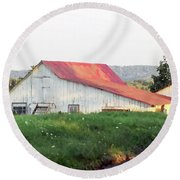 Barn With Red Roof Round Beach Towel