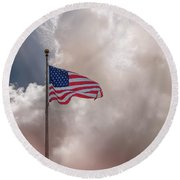 Beautifully Waves - U S Flag And Clouds Round Beach Towel