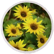 Bee And Sunflowers Round Beach Towel
