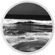 Black And White Beach 7- Art By Linda Woods Round Beach Towel