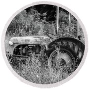 Black And White Tractor Round Beach Towel