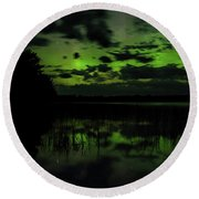 Boot Lake Green And Purple Northern Lights  Round Beach Towel