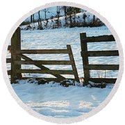 Broken Fence In The Snow At Sunset Round Beach Towel