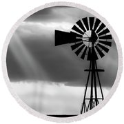 Bw Windmill And Crepuscular Rays -01 Round Beach Towel by Rob Graham