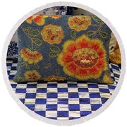 Checkerboard And Pillow Round Beach Towel