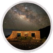 Chisos Mountain Homestead Under The Milky Way Round Beach Towel