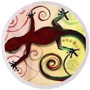 Christmas Gecko With Gold Poop Round Beach Towel