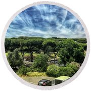 Cielo E Pineas Round Beach Towel
