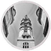 City Hall In Center City Philadelphia In Black And White Round Beach Towel