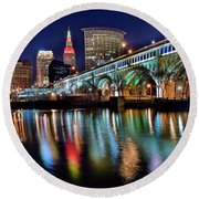 Cleveland Ohio Skyline Reflects Colorfully Round Beach Towel