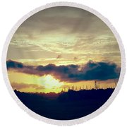 Country Sunset In Pavo Round Beach Towel