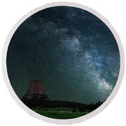 Devil's Tower At Night Round Beach Towel by Gary Lengyel