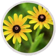 Double Daisies Round Beach Towel