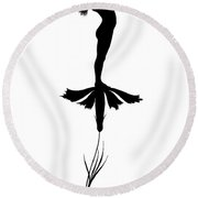 Fairy Playing A Violin Round Beach Towel