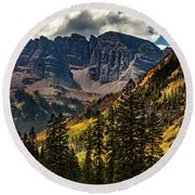 Fall At Maroon Bells Round Beach Towel