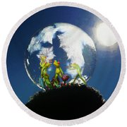 Frogs In A Bubble Round Beach Towel