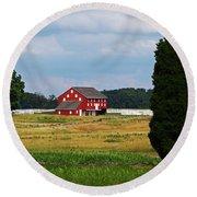 Red Barn On Sherfy Farm Gettysburg Round Beach Towel