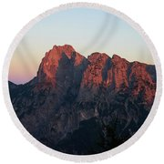 Glowing Mountains Round Beach Towel