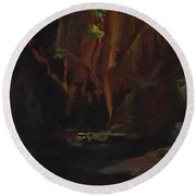 Gorge In The Mountains Of Carrara Round Beach Towel