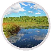Hint Of Autumn Round Beach Towel