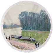 Houseboats On The River Loing Round Beach Towel