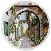 L'arco Dell'angelo Round Beach Towel