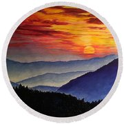 Laurens Sunset And Mountains Round Beach Towel