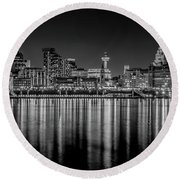 Liverpool Skyline In The Night Black And White Round Beach Towel