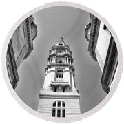 Looking Up - City Hall Court Yard In Black And White Round Beach Towel