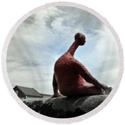 Man On The Wall Round Beach Towel