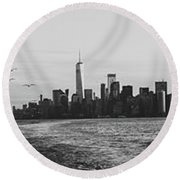 Manhatta, New Jersey And The Statue Of Liberty Round Beach Towel