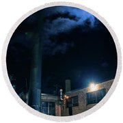 Moon Over Industrial Chicago Alley Round Beach Towel