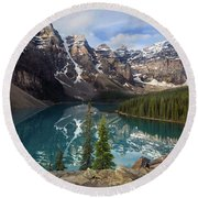 Morning At Moraine Round Beach Towel