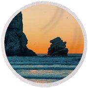 Morro Bay Sunset Round Beach Towel