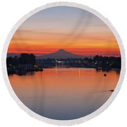 Mount Hood Over Columbia River At Dawn Round Beach Towel