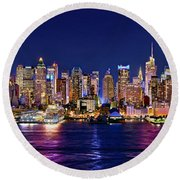 New York City Nyc Midtown Manhattan At Night Round Beach Towel