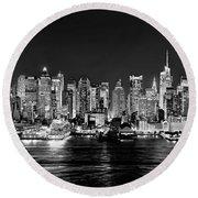 New York City Nyc Skyline Midtown Manhattan At Night Black And White Round Beach Towel