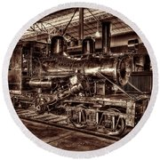 Old Climax Engine No 4 Round Beach Towel