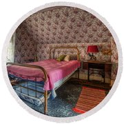 Old Farmhouse Upstairs Bedroom Round Beach Towel