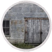 Old Trackside Warehouse Round Beach Towel