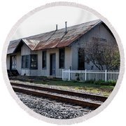 Old Train Depot In Gray, Georgia 1 Round Beach Towel
