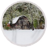 Patriotic Barn In The Snow Round Beach Towel