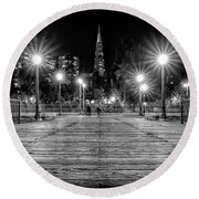 Pier 7 In Black And White Round Beach Towel