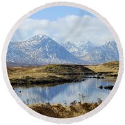 Rannoch Moor In Winter Round Beach Towel