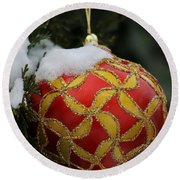 Red And Gold Ornament Round Beach Towel